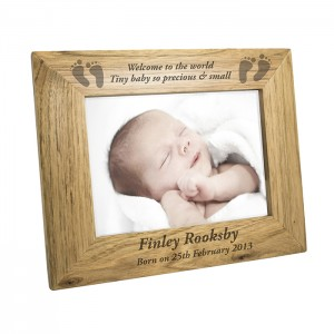 Personalised 5x7 Baby Feet Wooden Frame